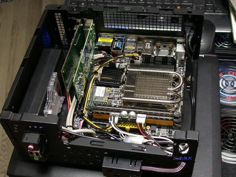 Z87E-ITX_1.JPG